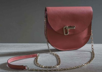 Sac bandouliere chaine rose corail veau rigide epsom