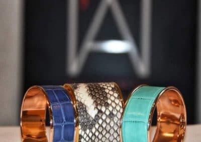 Bracelets manchettes peaux précieuses croco mat python natura